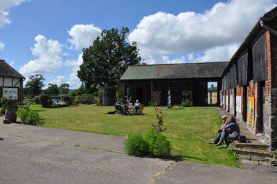 Converted farm buildings which make up part of Mid Wales Arts/Hen adeiladau fferm wedi eu hadnewyddu sy'n rhan o Ganolfan Gelf Canolbarth Cymru